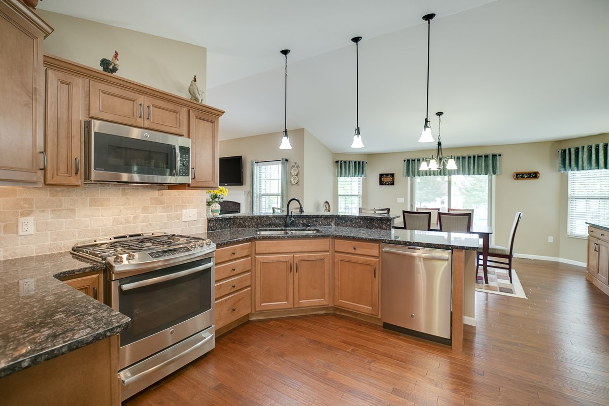 O'Fallon Home for Sale with Beautiful Kitchen