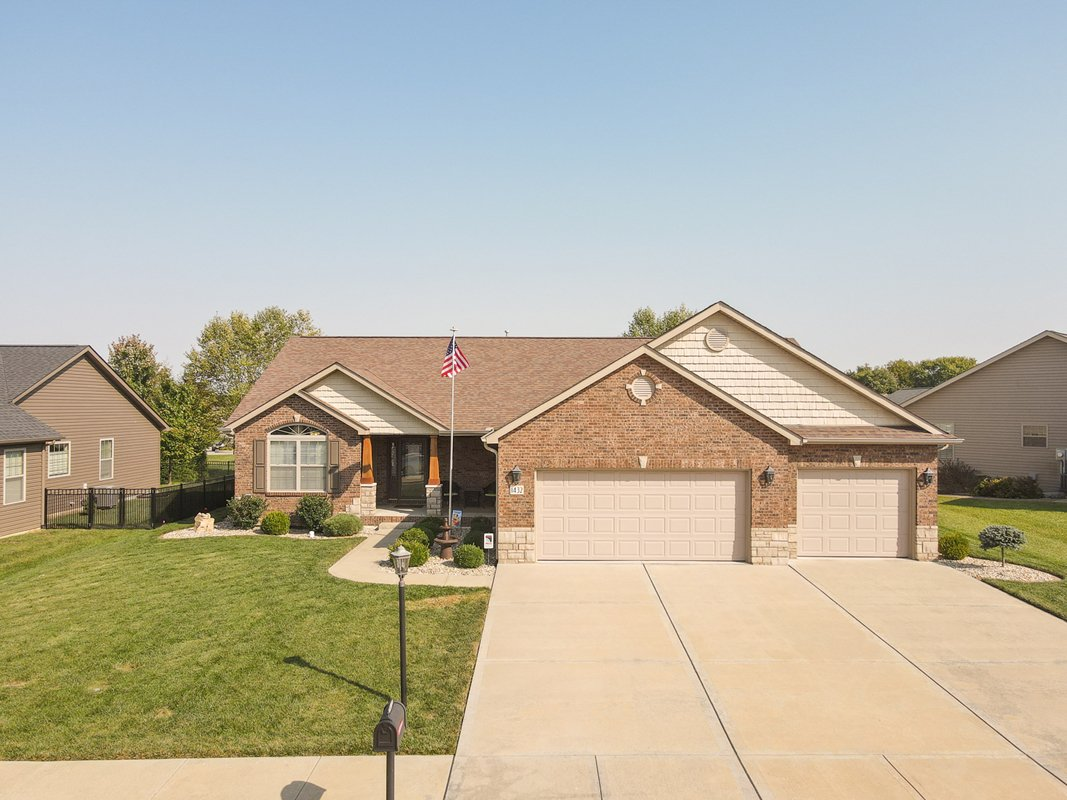Home for Sale Near Scott AFB