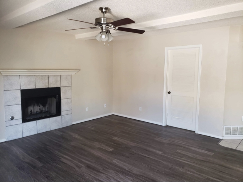 Living room in convenient home located near Fort Bliss.