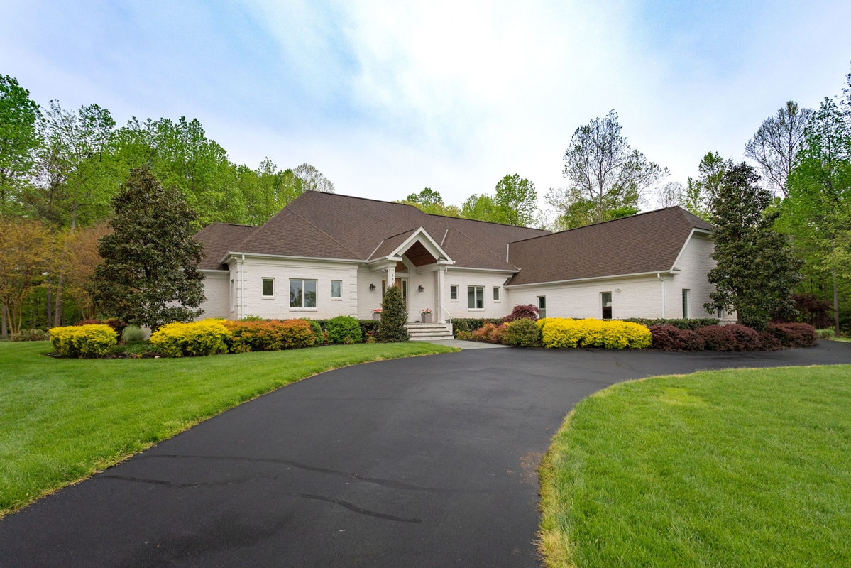 Large home for sale in Lorton, Virginia.