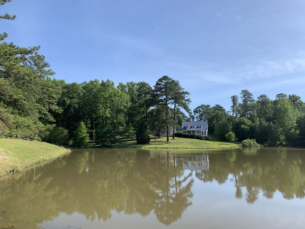 Macon home for sale near Robins AFB.